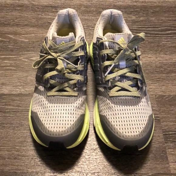 le adidas donna spinta scarpa da corsa, sz 9 12 poshmark